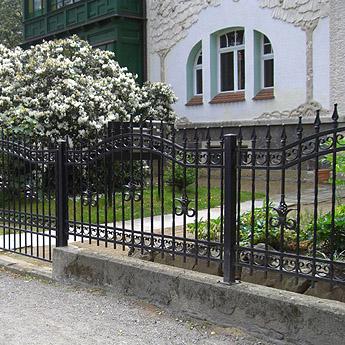 Zaun- und Toranlagen